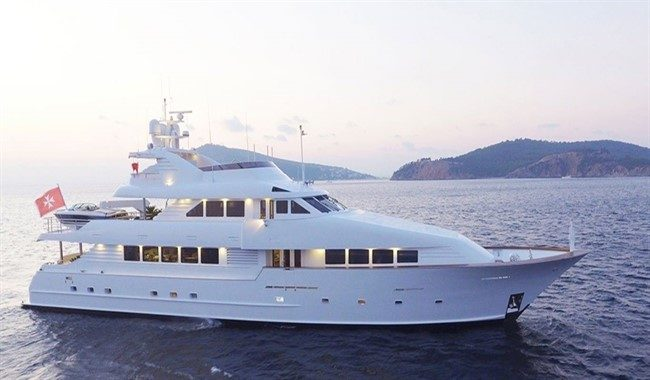 Broward_yacht_for_sale_Destiny_1568_icpktt-1365x689_650x380